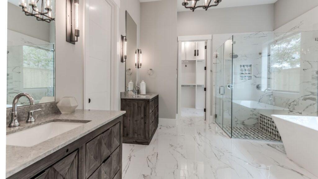 11326 Surrey master bath