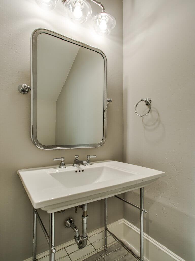 Jamestown Estate Custom Homes - Bathrooms