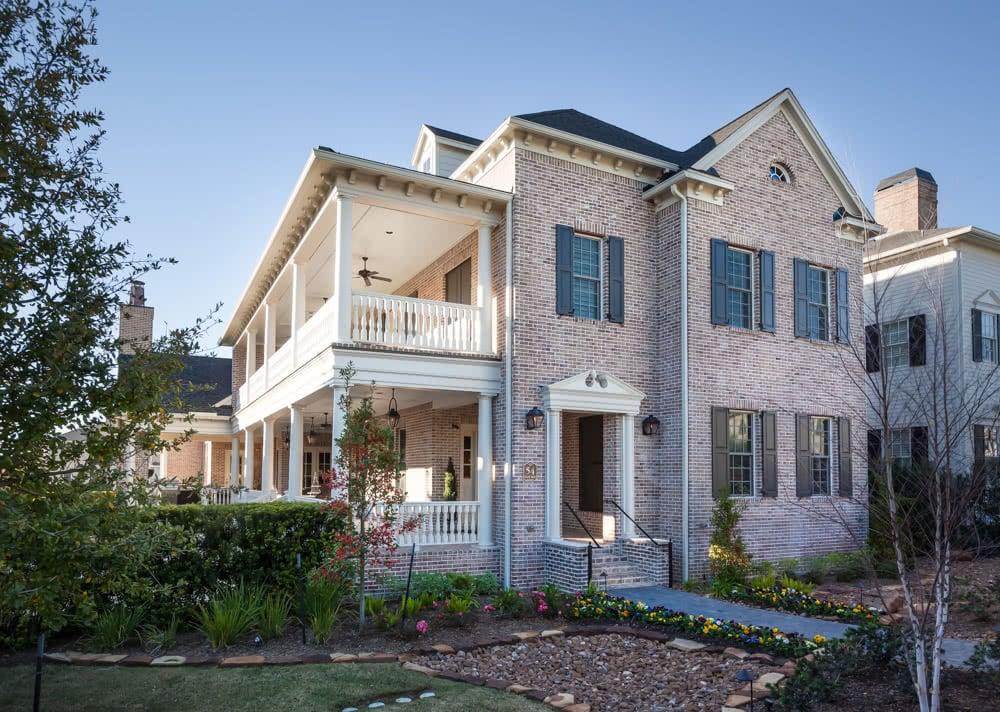 Jamestown Estate Custom Homes - Exteriors