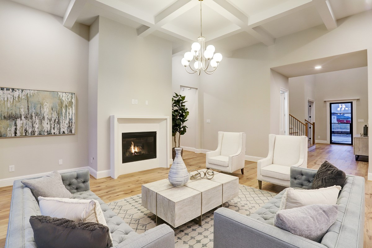 19107 Caney family room